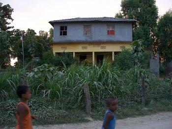 Eejot's school house